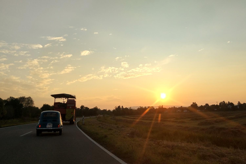 Rückfahrt bei Sonnenuntergang