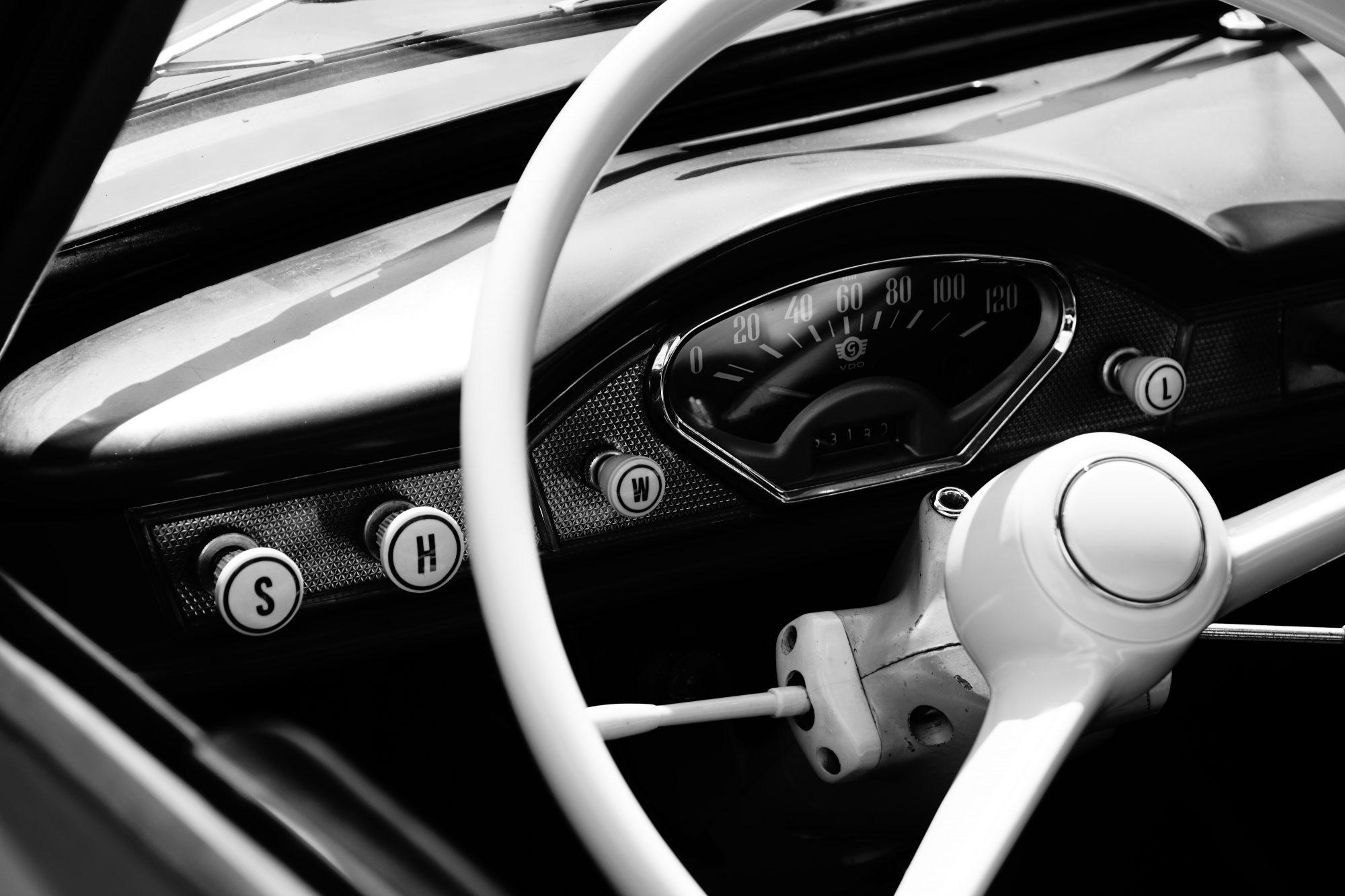 Goggomobil Coupé: Nostalgie-Armaturen im Oldtimer