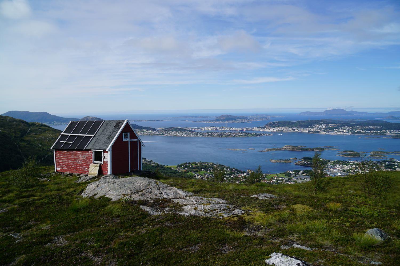 Blick über Ålesund vom Grøthornet