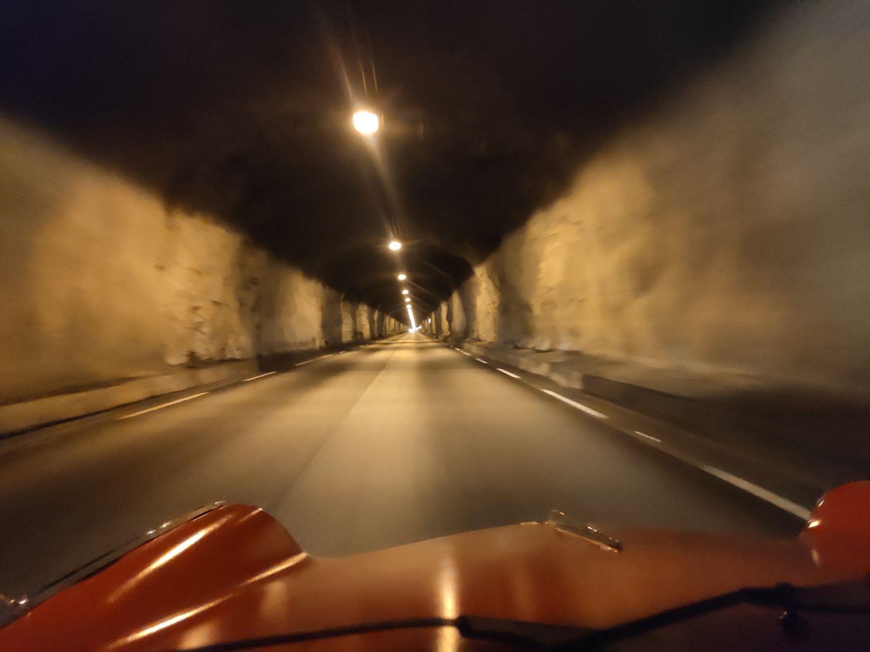 Einige Tunneldurchfahrten